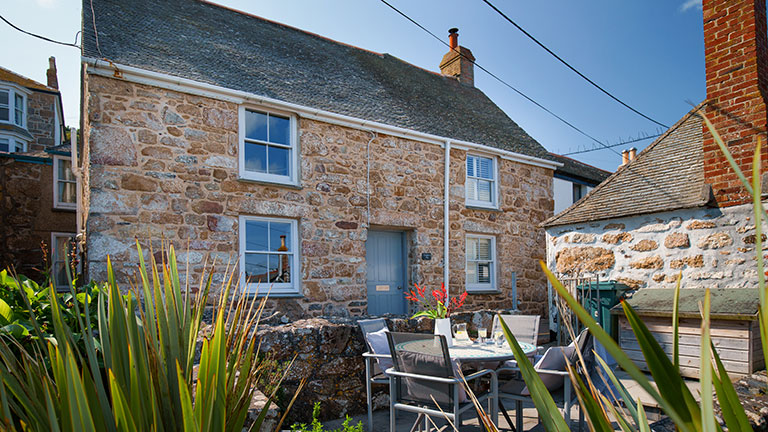 Sunshine and sea breezes at Crabbers…