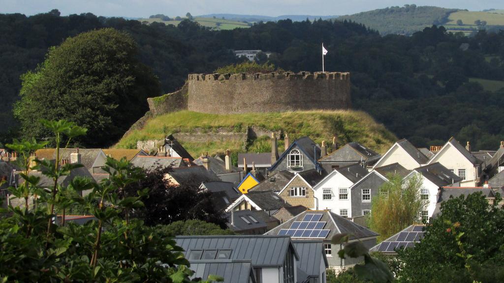 Totnes Castle, Totnes