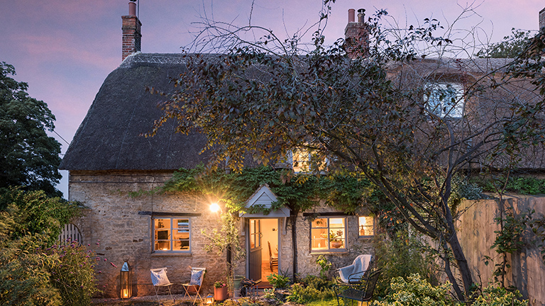 Luxury cottages 3 hours from London